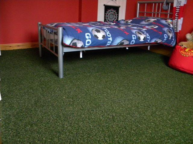 Kunstgras in de kinderkamer de leukste vloerbedekking thuis lievekeet - Tapijt voor volwassen kamer ...