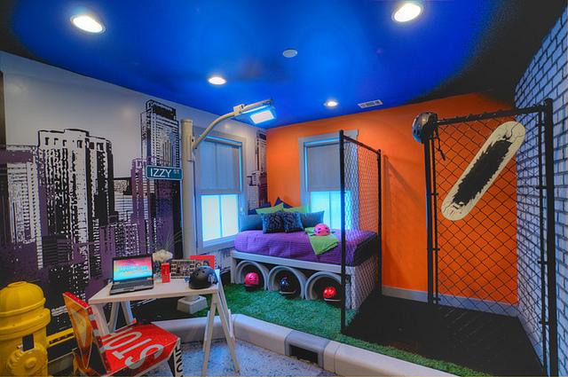 Kunstgras in de kinderkamer de leukste vloerbedekking for Extreme makeover bedroom ideas
