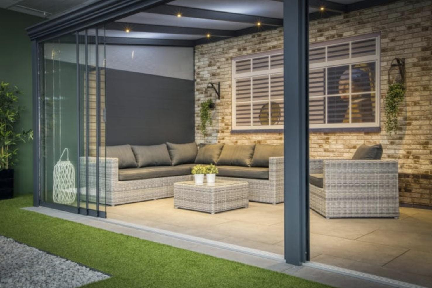 Waar let je op als je een nieuwe terrasoverkapping laat plaatsen?