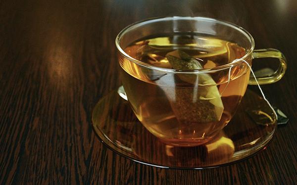 Redenen om meer thee te gaan drinken