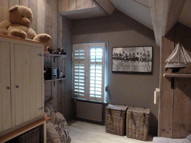 Stoer hout voor de babykamer thuis lievekeet - Welke kleur verf voor een kamer ...