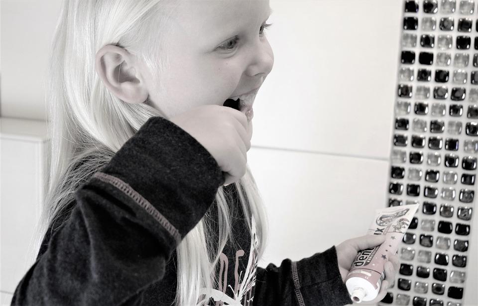 Kinderen en een elektrische tandenborstel, wel of niet?