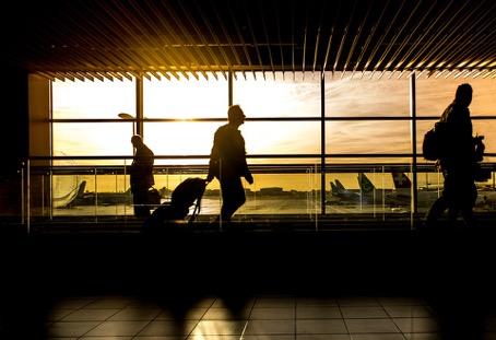 Vliegen met kinderen: 10 tips voor een onbezorgde reis